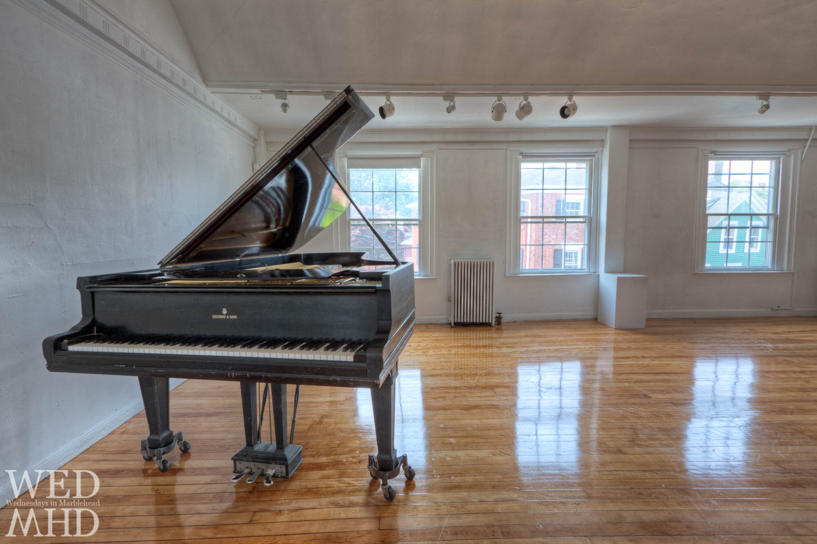 The Steinway and the Mansion