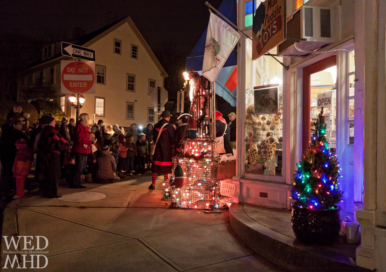 Lobster Trap Tree Lighting at Mud Puddle Toys