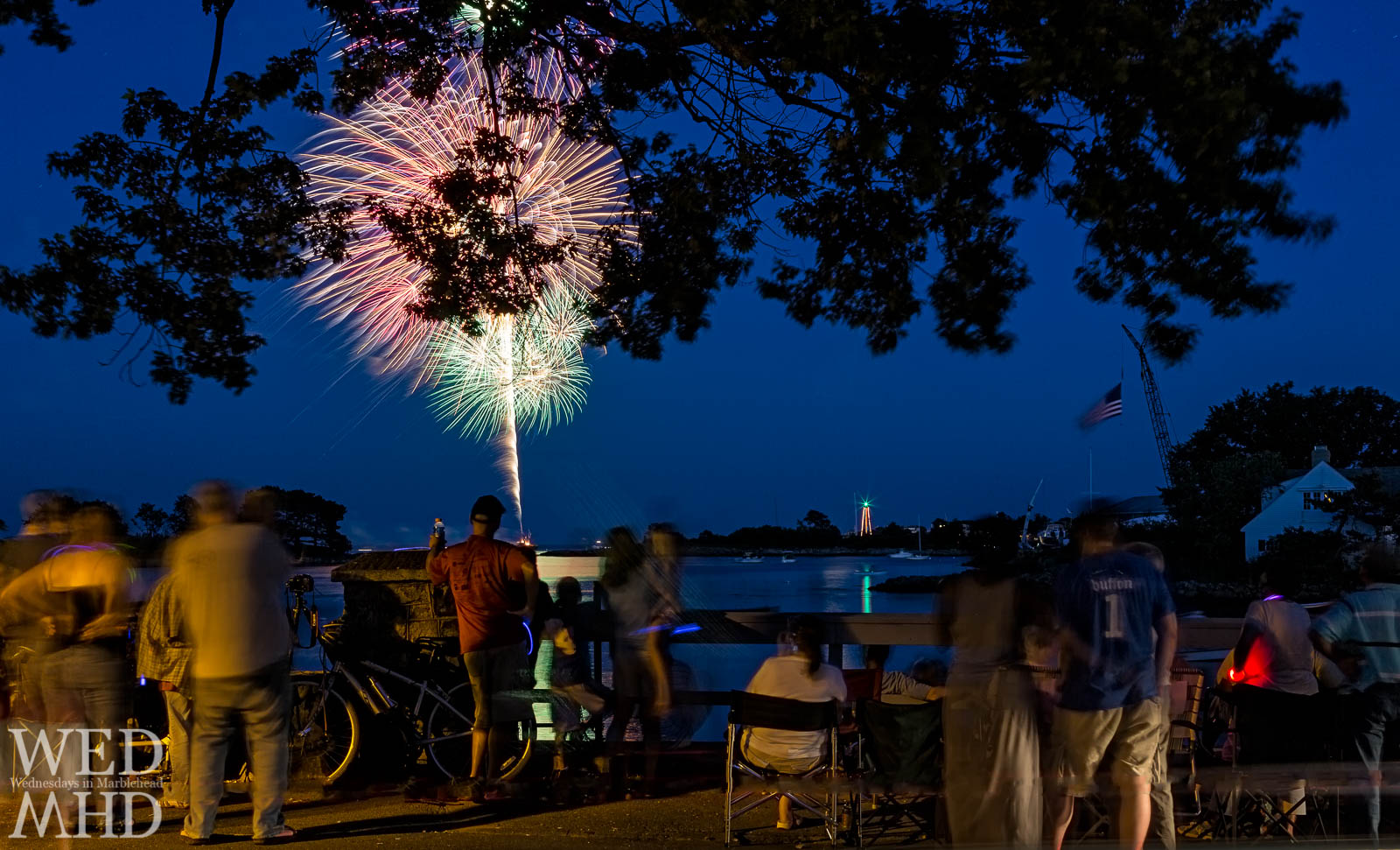 Marblehead Fireworks Finale – The Crowd on Beacon Street