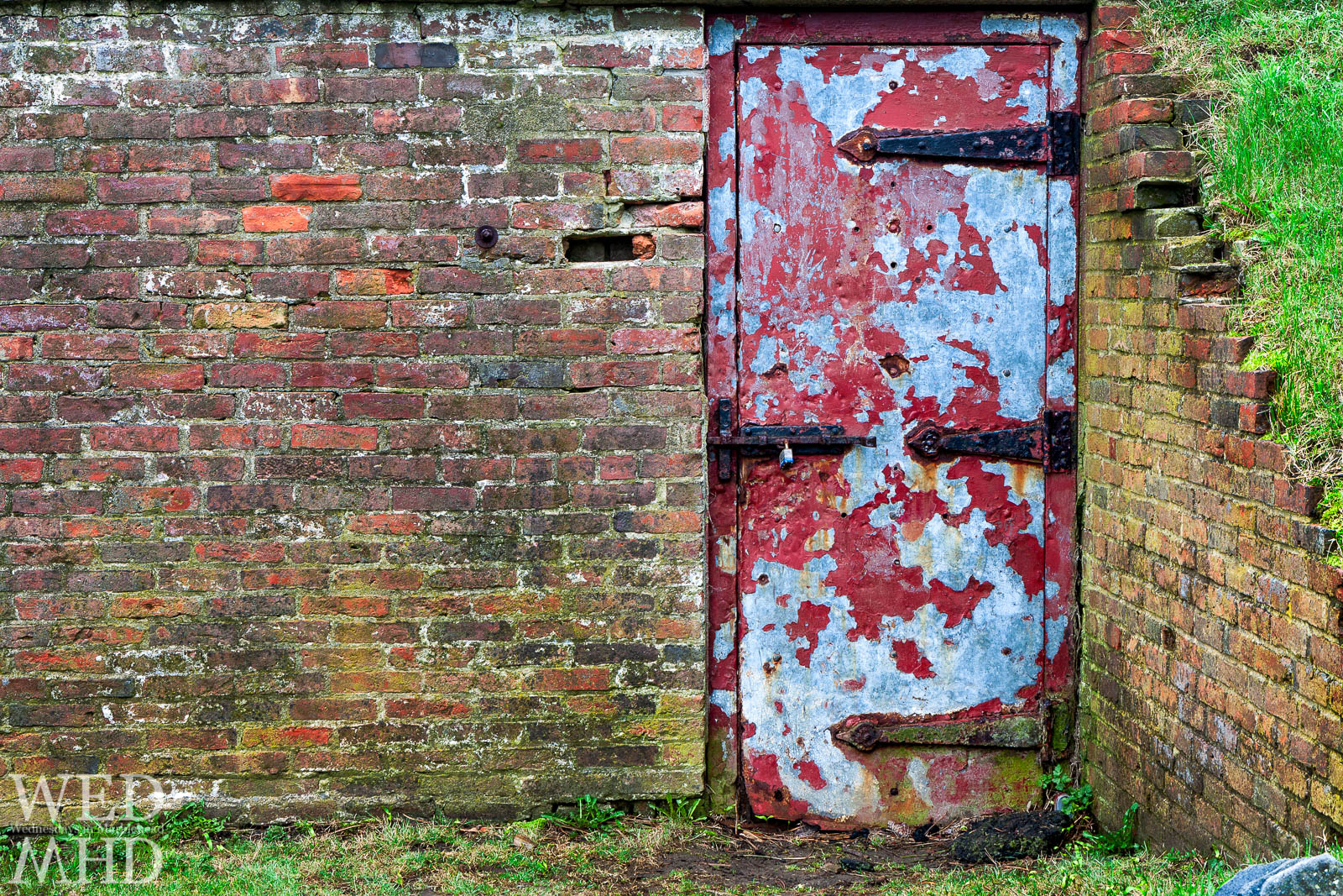 Behind the Red Door – Fort Sewall