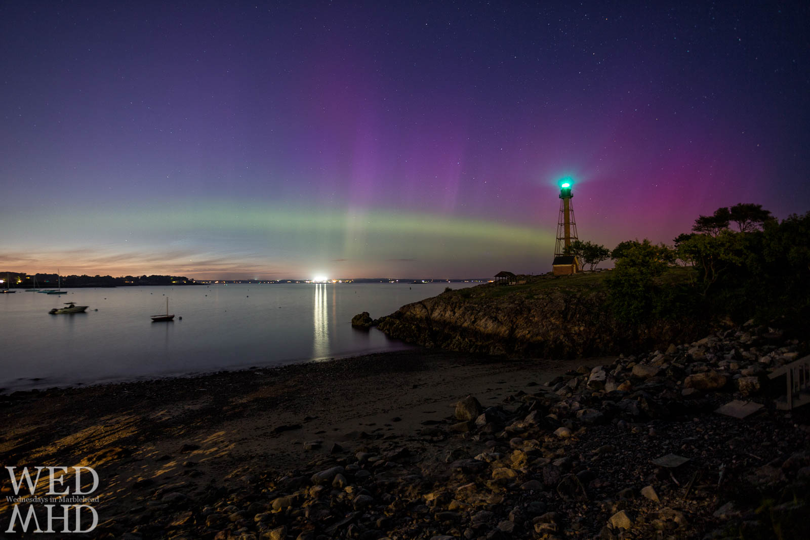 An incredible display of the northern lights explodes behind Marblehead Light