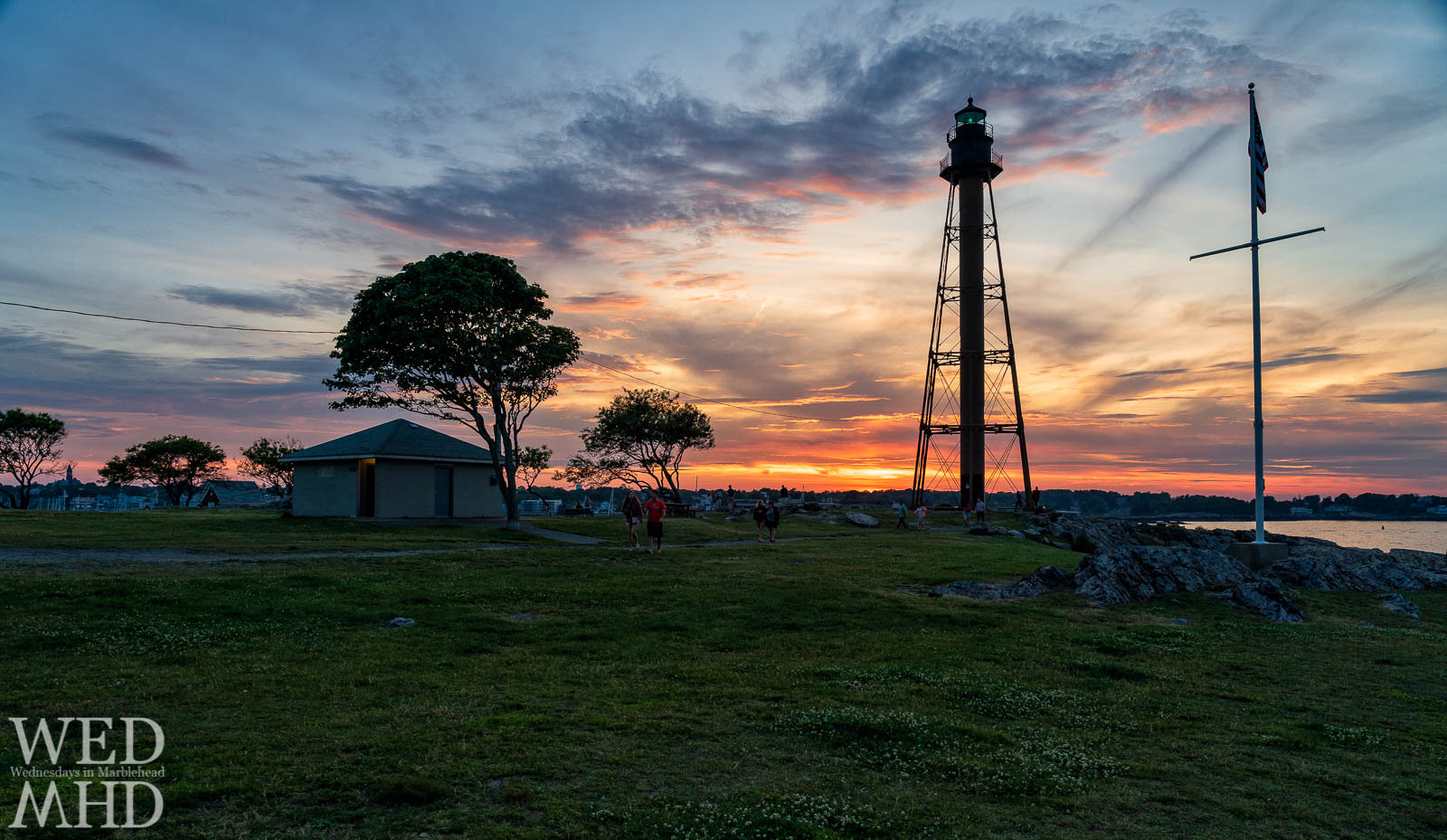 No better way to end a weekend in Marblehead than enjoying sunday sunsets at the lighthouse